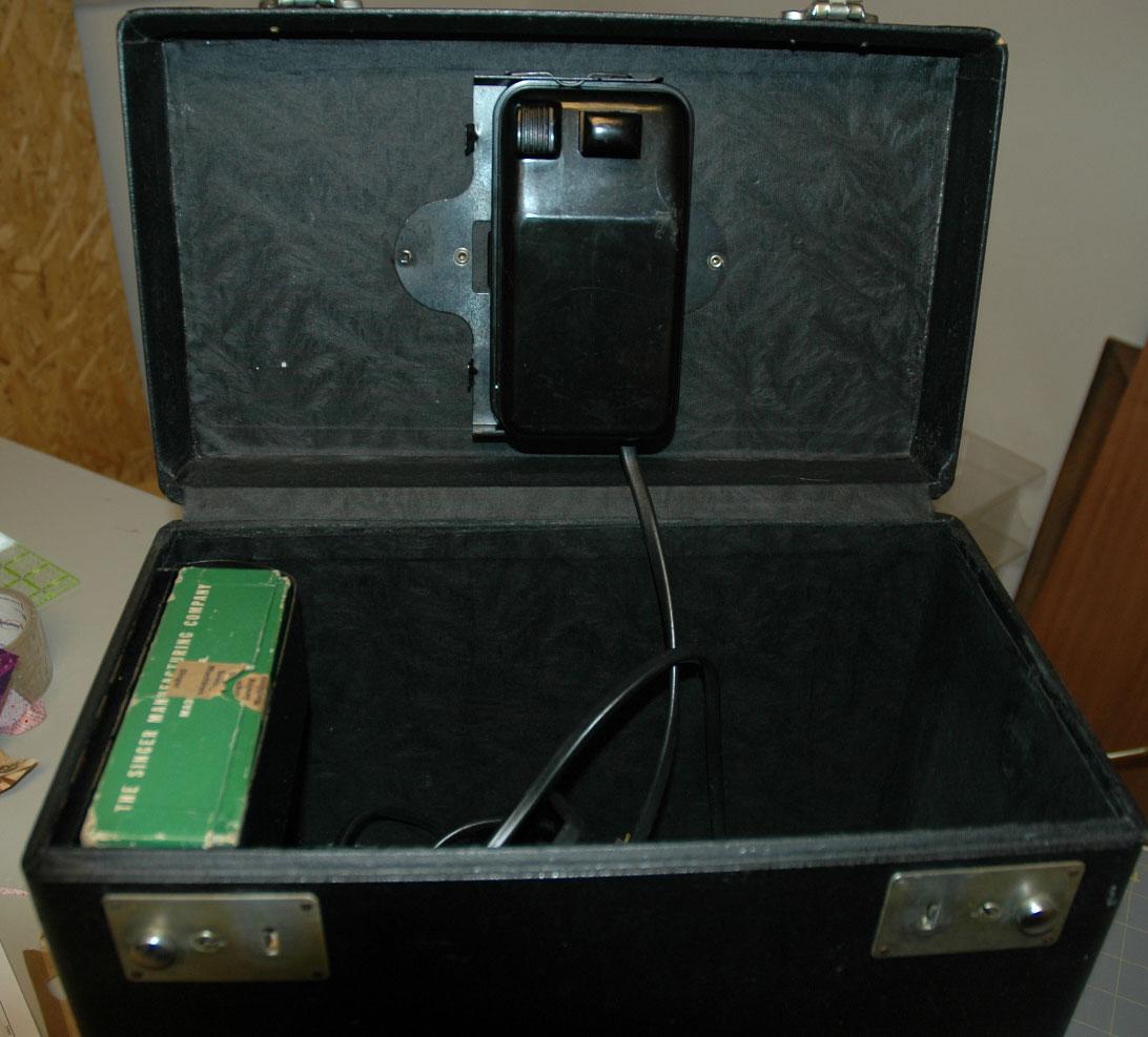AL392-case-inside