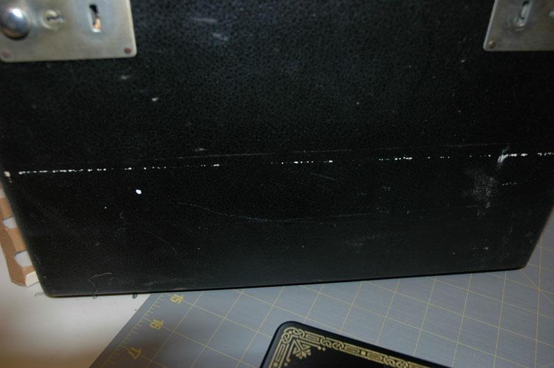 Al392614-case-scratch
